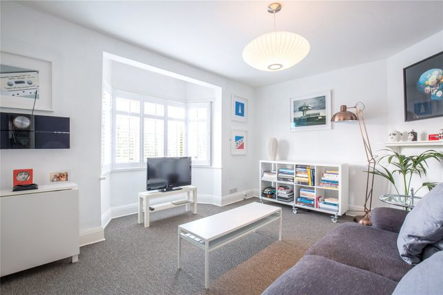 2 bed flat for sale in Denison Close, East Finchley, London
