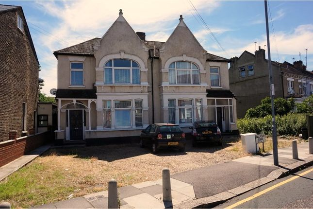 Thumbnail Flat for sale in Balfour Road, Ilford