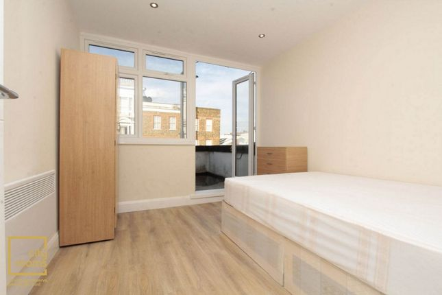 Room to rent in Bethnal Green Road, Bethnal Green