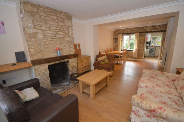 3 bed terraced house to rent in Church Street, Cirencester GL7