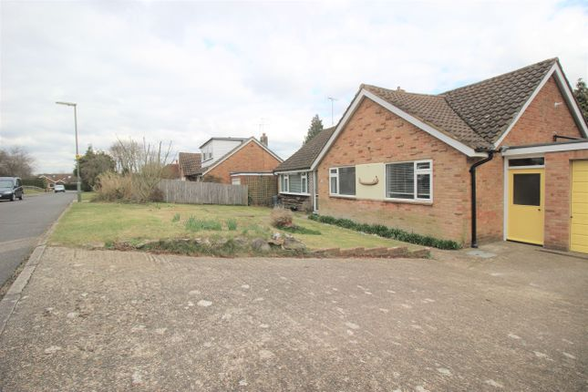 3 bed detached bungalow to rent in Merrow Chase, Guildford GU1
