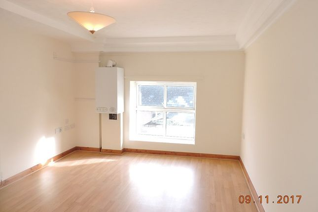 Thumbnail Flat to rent in 22 Elizabeth Venmore Court, Yorke St, Milford Haven