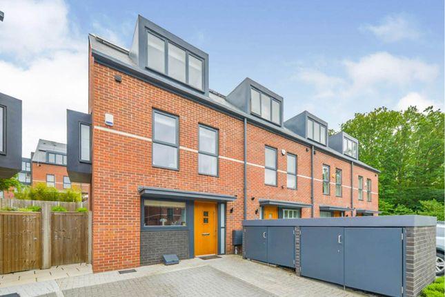 3 bed end terrace house for sale in Cornell Gardens, Barnet EN4