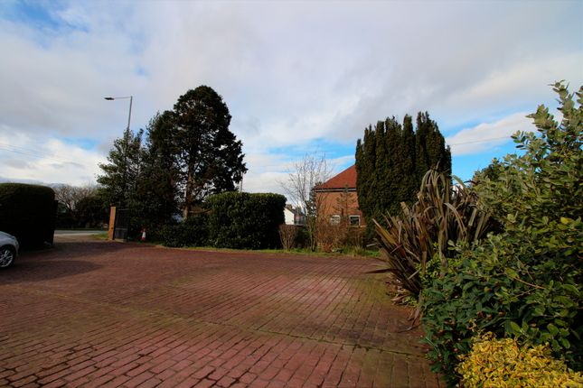 Photo #18 of Beverley Road, Dunswell, Hull HU6