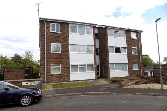 Thumbnail Flat to rent in Waterside, Hythe