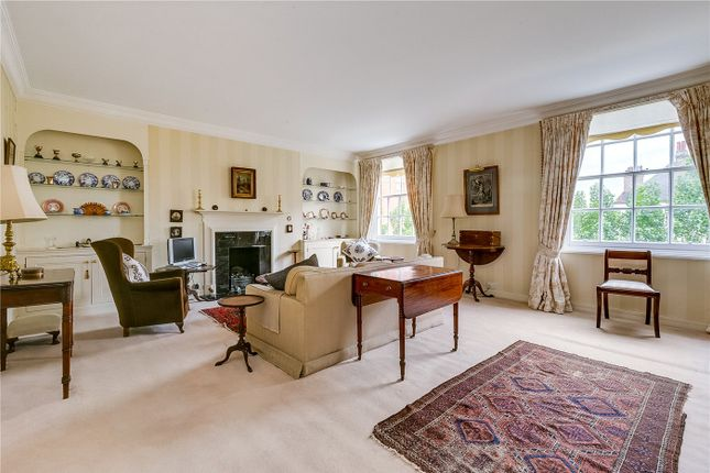 Thumbnail 3 bed flat for sale in Rivermead Court, Ranelagh Gardens, London