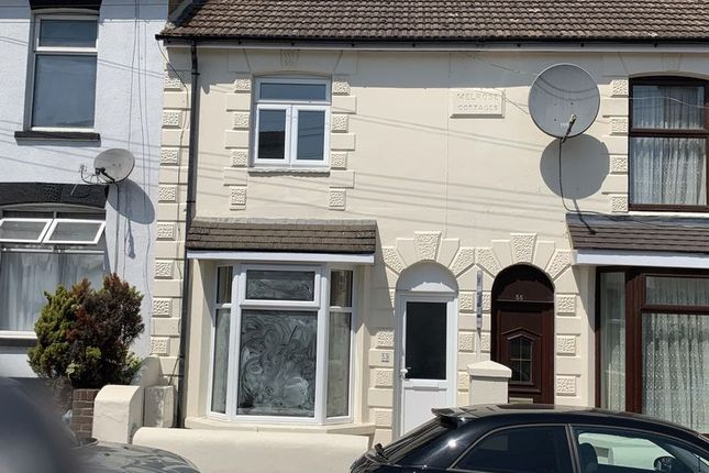 Thumbnail Terraced house to rent in Station Road, Rainham, Gillingham