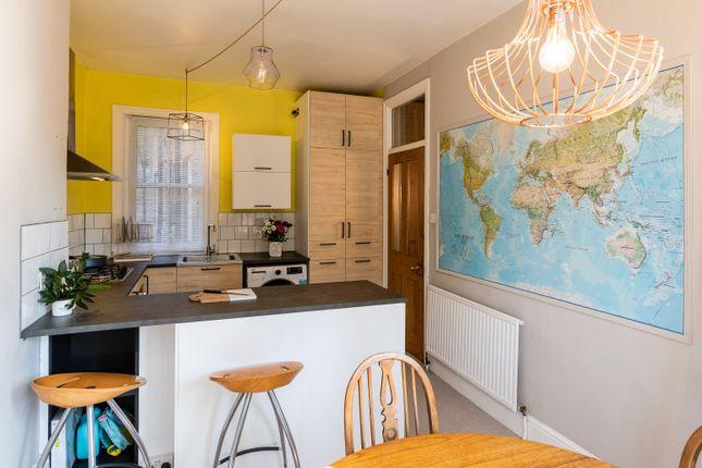 2 bed flat for sale in Mowll Street, London SW9