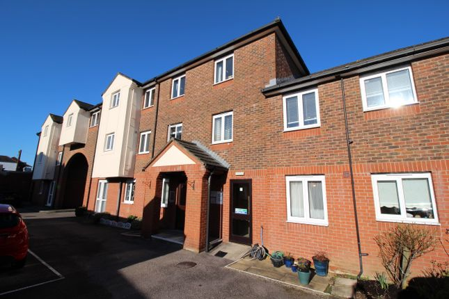 1 bed flat to rent in Station Road, Warminster BA12