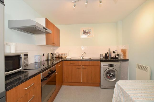 Thumbnail Flat for sale in Robert Street, Brighton, East Sussex