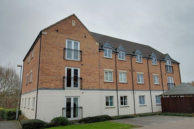 2 bed flat to rent in Blease Close, Staverton, Trowbridge BA14