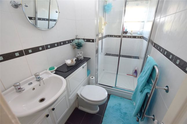 Bathroom of Newhall Green, Leeds, West Yorkshire LS10