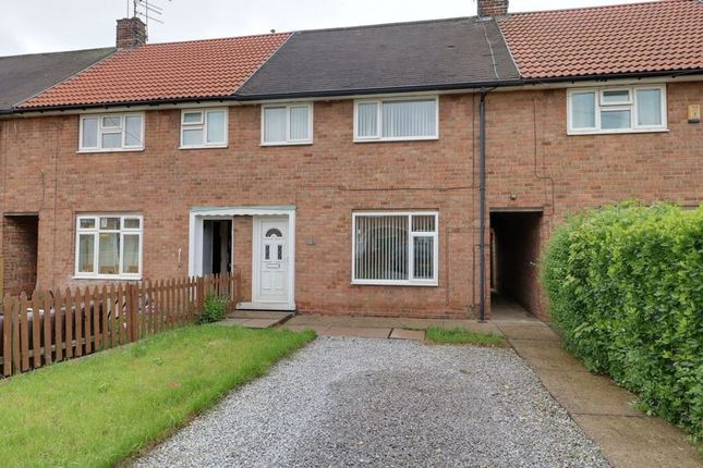 Thumbnail Terraced house to rent in Holcombe Close, Hull