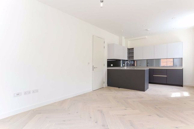 Thumbnail Flat to rent in Lily Place, London