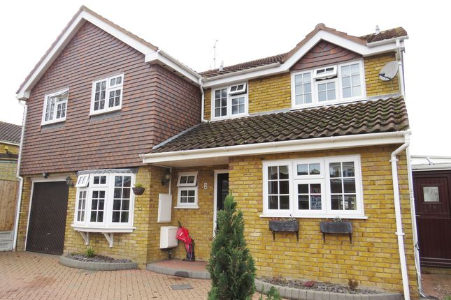 Thumbnail Detached house for sale in Marlowe Close, Billericay