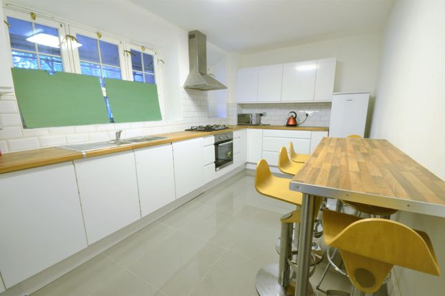 Thumbnail Flat to rent in Killick Street, London