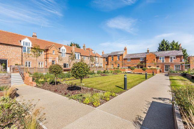 Communal Gardens of Wordsworth Court, Laureate Gardens, Henley-On-Thames RG9