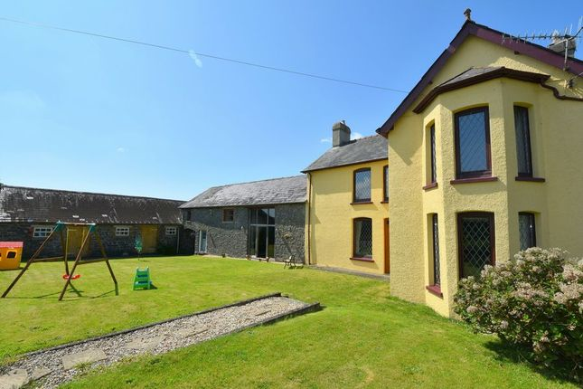 Thumbnail Farmhouse for sale in Manordeilo, Llandeilo