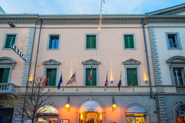 Thumbnail Hotel/guest house for sale in Arezzo, 52100, Italy