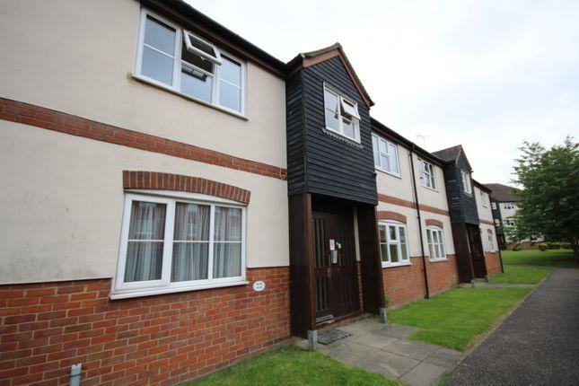 Thumbnail Flat to rent in Thornborough Avenue, South Woodham