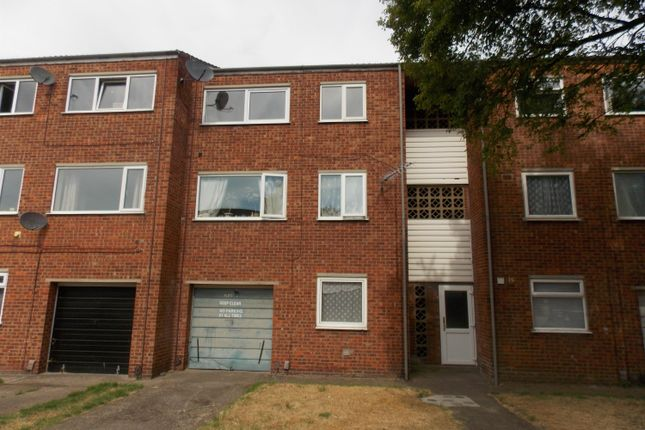 Thumbnail Flat to rent in Thorgam Court, Grimsby