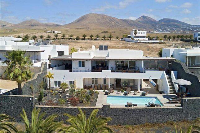 Thumbnail Apartment for sale in Puerto Calero, Lanzarote, Spain