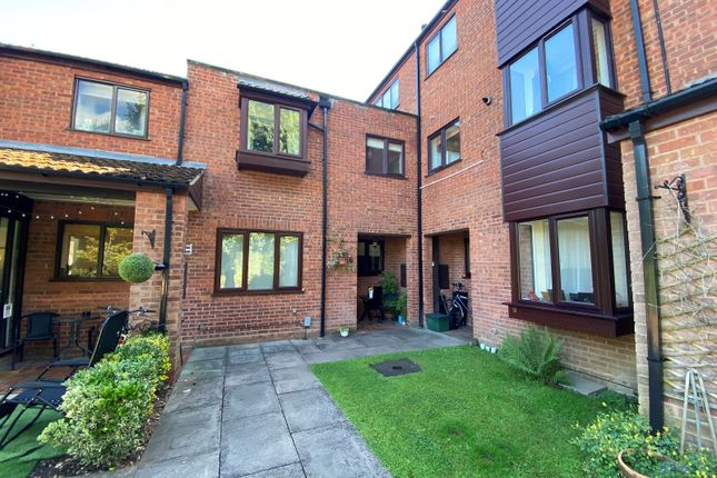 2 bed terraced house to rent in Copperwood, Hertford SG13