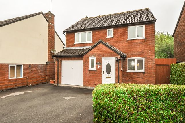 4 bed detached house for sale in Underwood Close, Callow Hill, Redditch