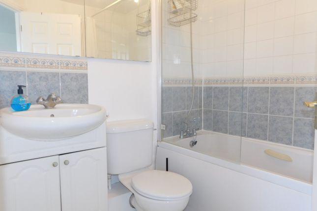 Bathroom of Edison Drive, Wembley HA9