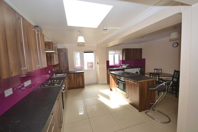 Thumbnail Semi-detached house to rent in St Peters Road, Reading, Berkshire