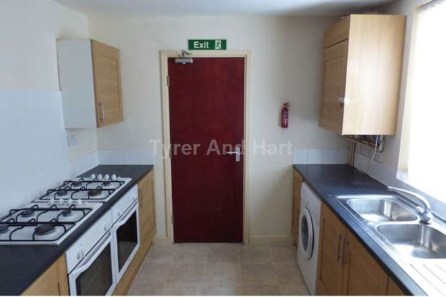 Thumbnail Shared accommodation to rent in Woodcroft Road, Wavertree, Liverpool