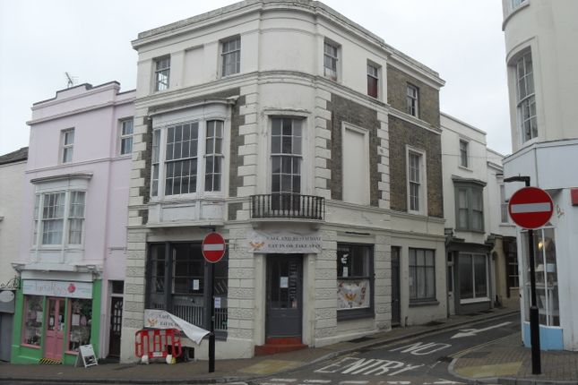 Thumbnail Retail premises for sale in Union Street, Ryde