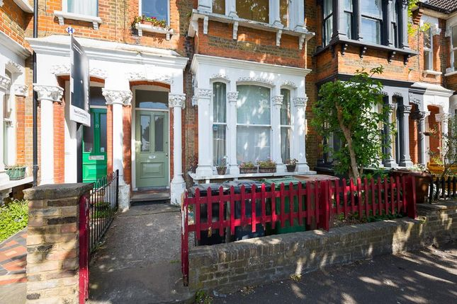 Thumbnail Flat for sale in Cleveland Park Avenue, London