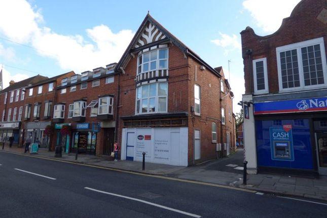Thumbnail Flat to rent in Broad Street, Wokingham