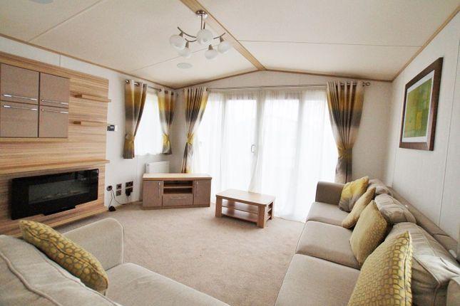 Lounge Area - Exampl