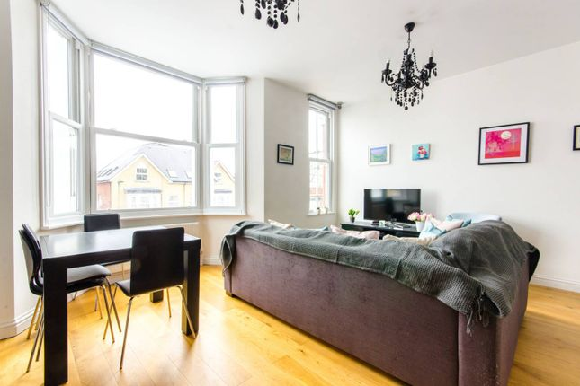 Thumbnail Flat for sale in Beaconsfield Road, Friern Barnet