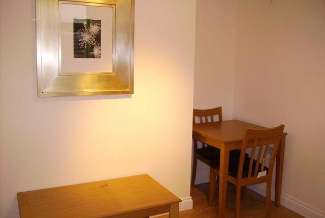 Thumbnail Flat to rent in Woodville Road, Cathays Cardiff