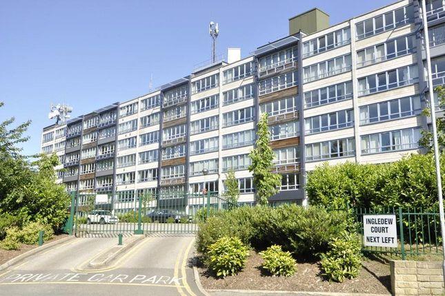 2 bed flat to rent in Ingledew Court, Leeds, West Yorkshire LS17