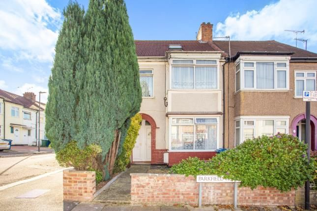 3 bed flat for sale in Parkfield Road, Harrow, Middlesex