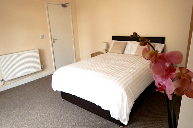 Thumbnail Shared accommodation to rent in Fredrick Street, Widnes, Cheshire