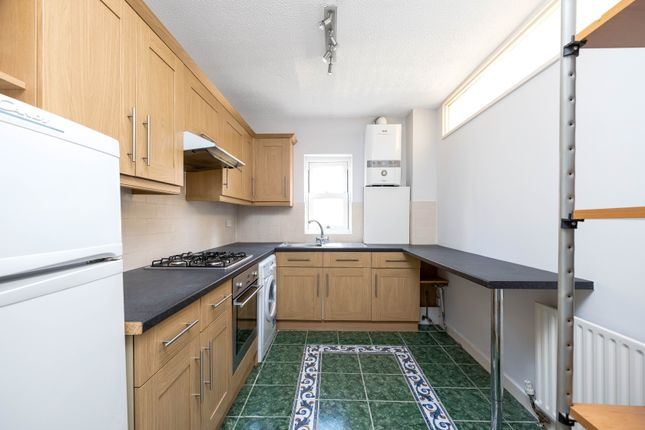 Thumbnail Flat to rent in Woodland Road, Gipsy Hill, London