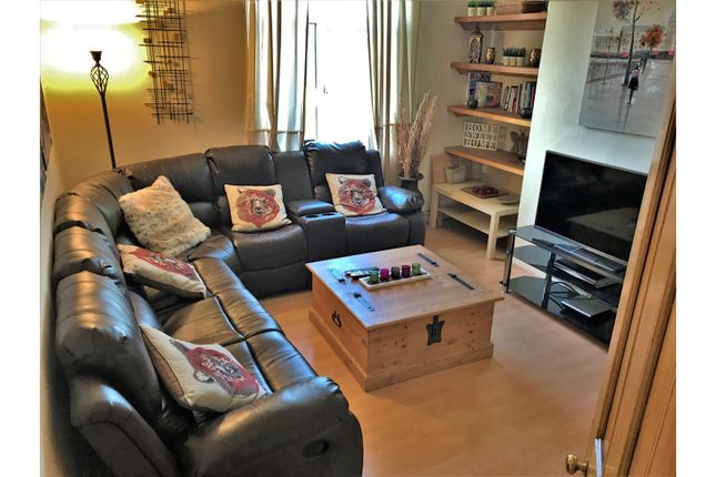 Living Room of Exmouth Place, Bradford BD3