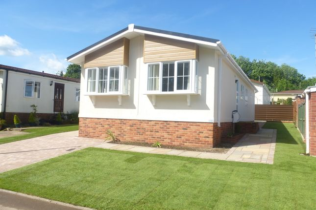 2 Bed Mobile Park Home For Sale In South View Homes Olivers Battery