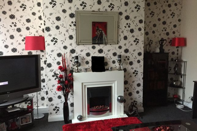 Thumbnail Terraced house to rent in Askern Road, Bentley, Doncaster