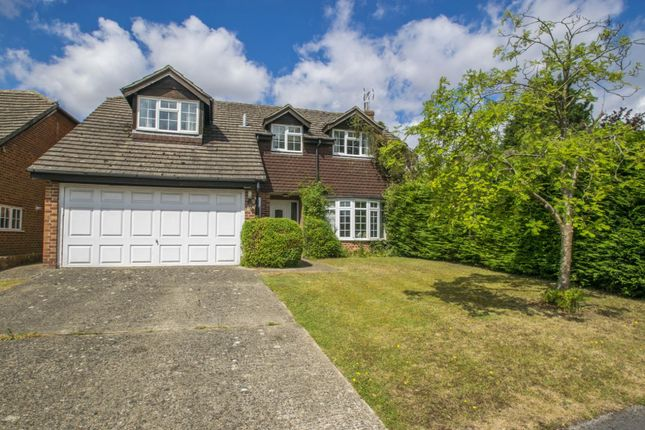 4 bed detached house for sale in Valley Close, Goring On Thames, Reading