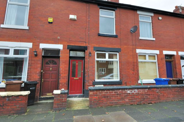Thumbnail Terraced house to rent in Birch Avenue, Romiley, Stockport, Cheshire