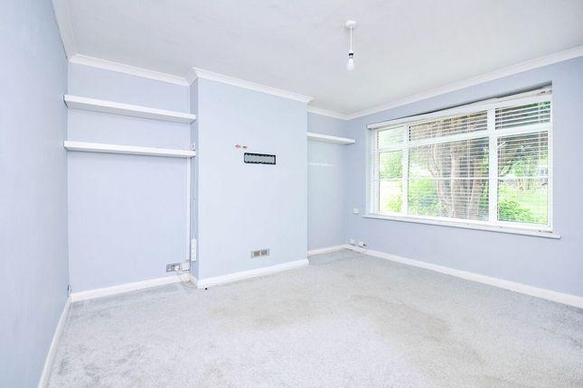 Thumbnail Flat to rent in Croft Close, Chislehurst