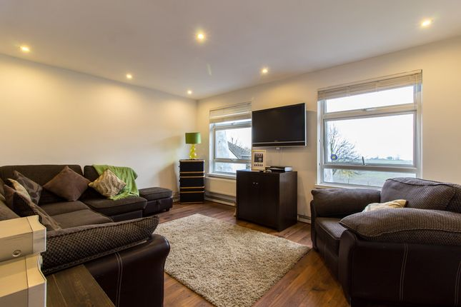 Thumbnail Flat for sale in London Road, Hadleigh