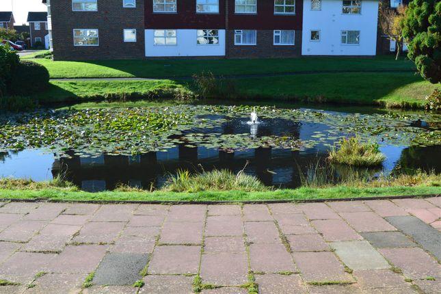 2 bed flat to rent in Westlake Gardens, Worthing BN13 - Zoopla