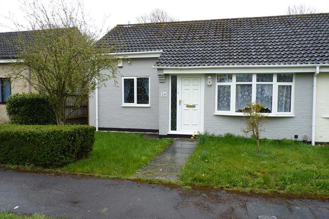 2 bed bungalow to rent in Tweed Crescent, Bicester